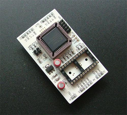部分电路模块化设计,板子预留cs8414电路,saa7220电路,可以扩展成双